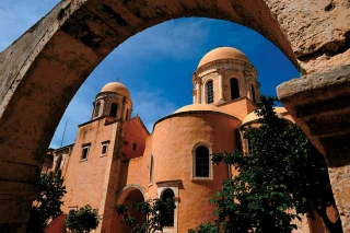 聖三一修道院