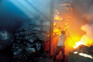 廢鐵回收廠