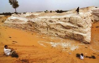 深埋流沙中