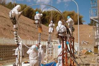 工程人員冒險進入福島第一核電廠