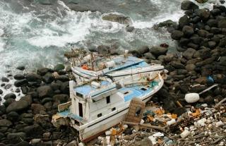 海邊漂流垃圾