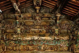 雕飾繁複的抬梁結構