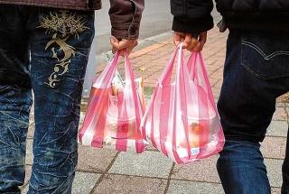 塑膠袋與便當