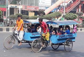 簡便三輪車載送旅客