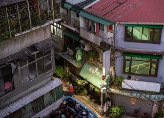 擁擠、髒亂是老公寓