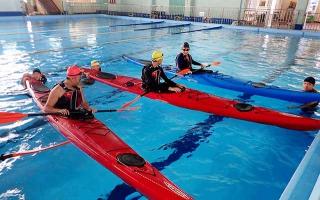 馬公高中的獨木舟術科訓練