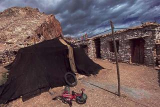犛牛帳篷及石屋